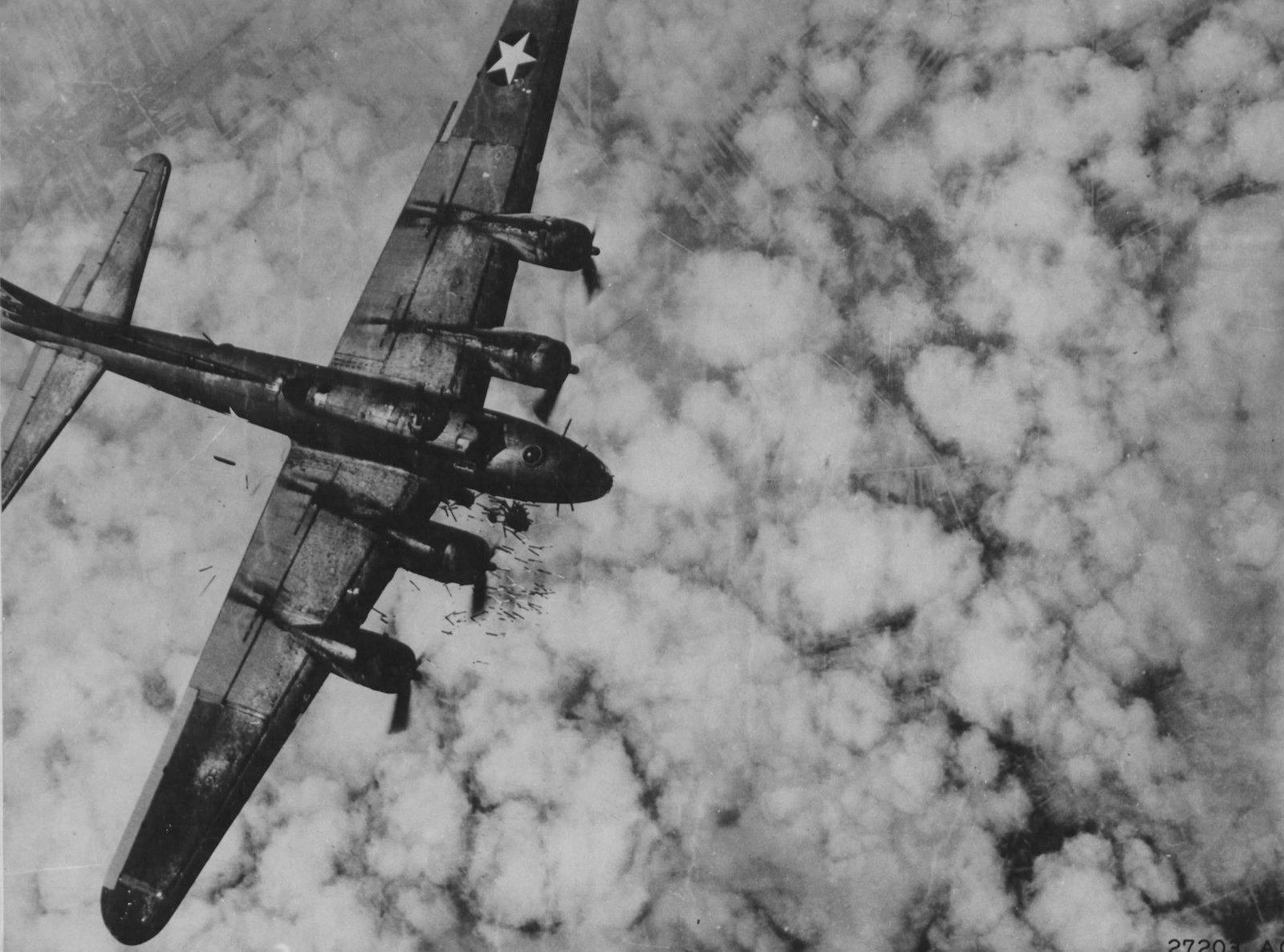 B-17 #42-3322 / Full House