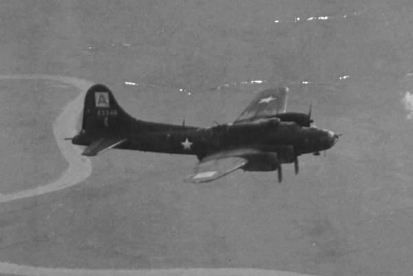 B-17 #42-3346 / Tuff Titty