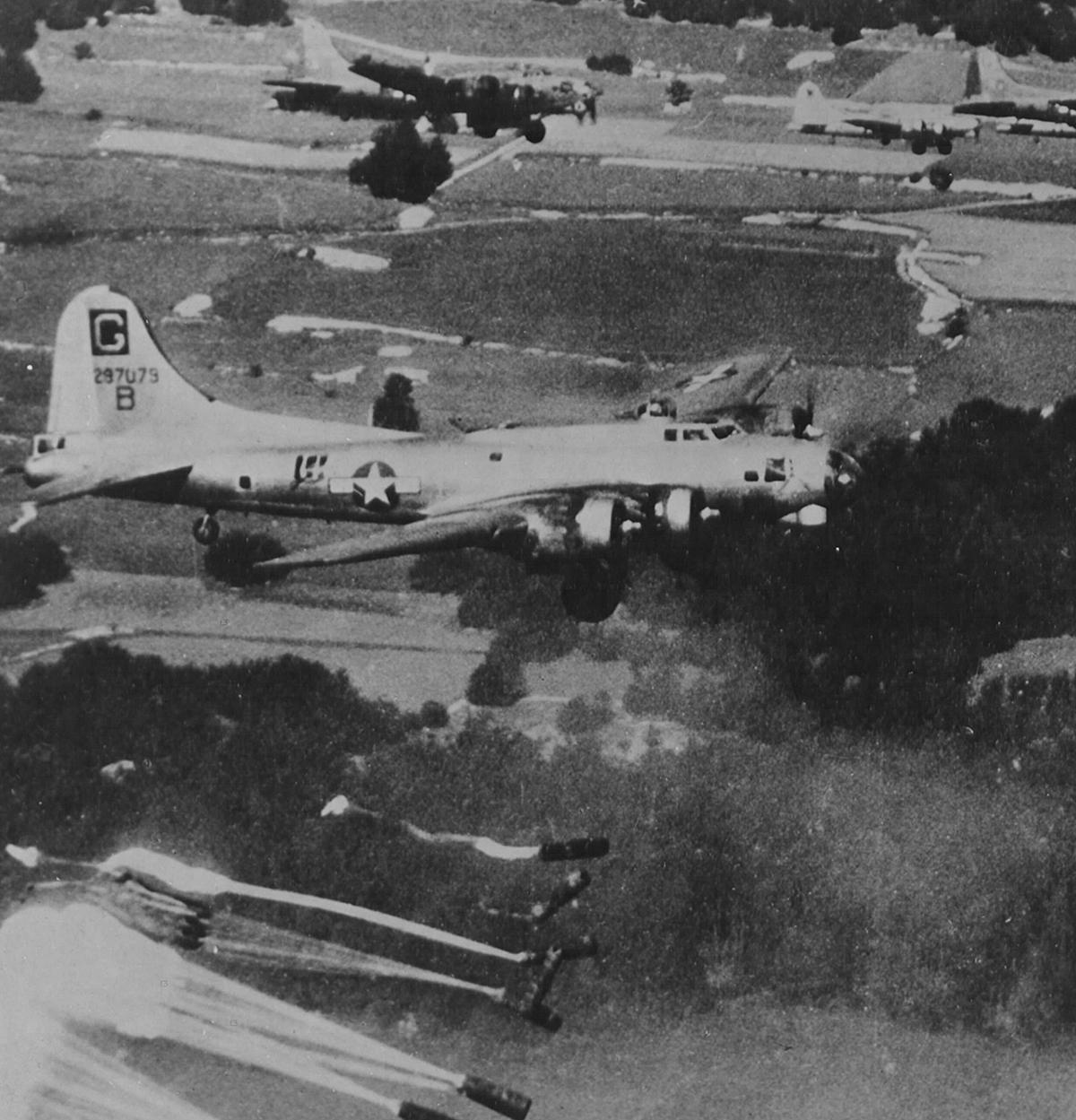 B-17 #42-97079 / Dozy Doats