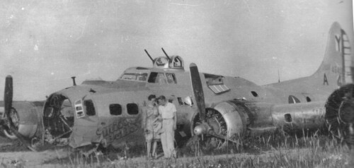 B-17 #44-6407 / Miss Bella