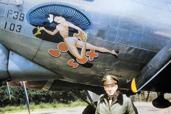 B-17 #44-8158 / Bobby Sox