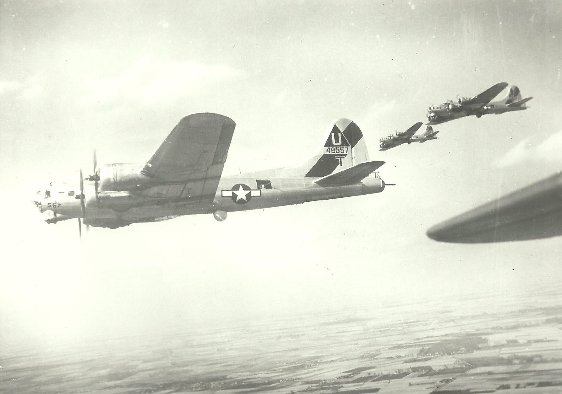 B-17 #44-8557