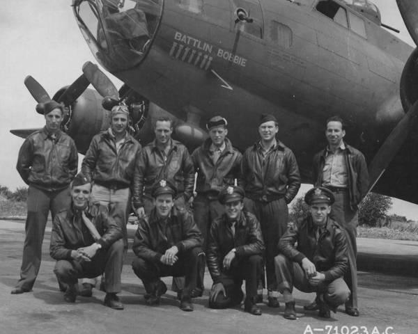 B-17 #42-29876 / Battlin Bobbie