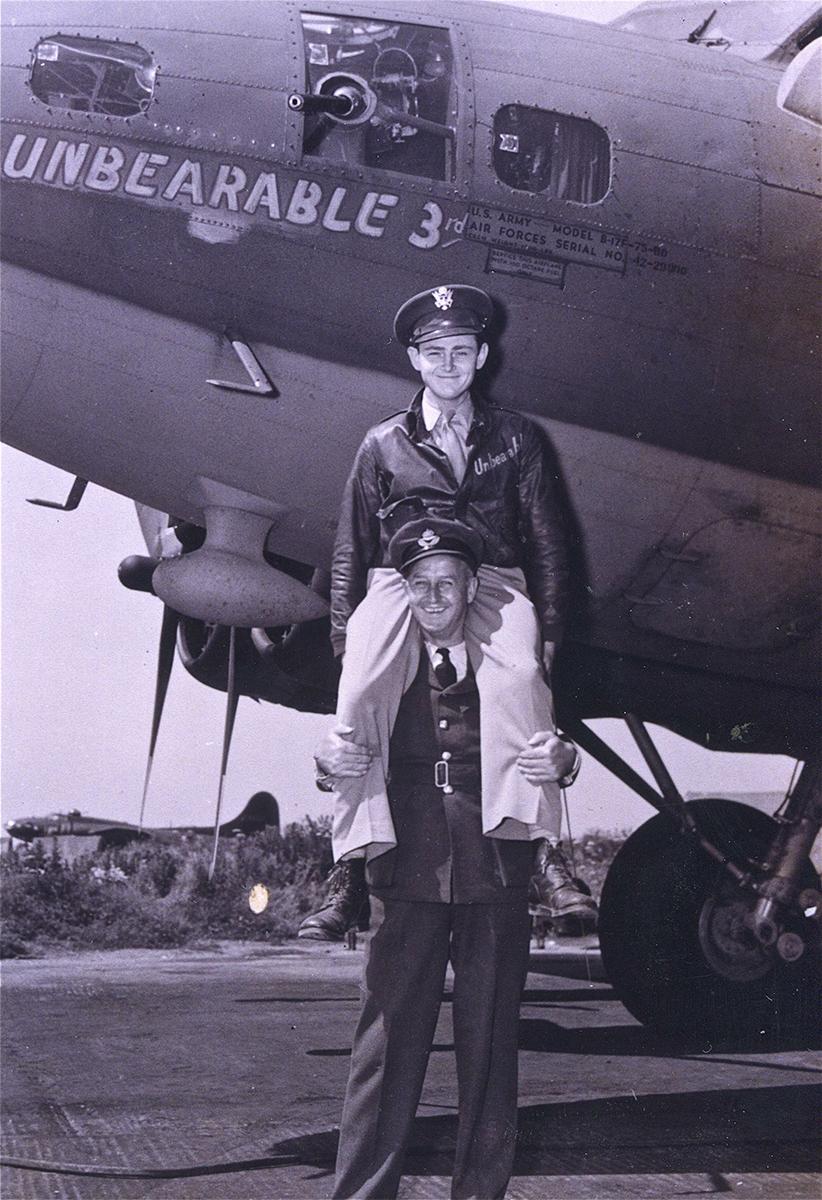 B-17 #42-29900 / Unbearable 3