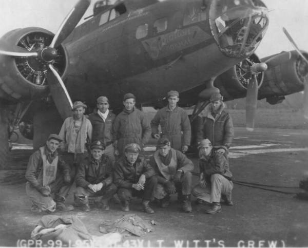 B-17 #42-29943 / Situation Normal