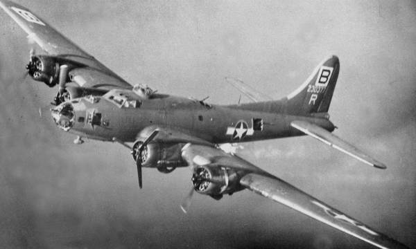 B-17 #42-30377 / Rodger the Lodger II