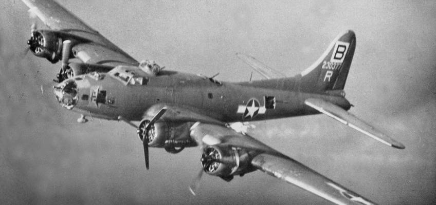 Boeing B-17 #42-30377 / Rodger the Lodger II