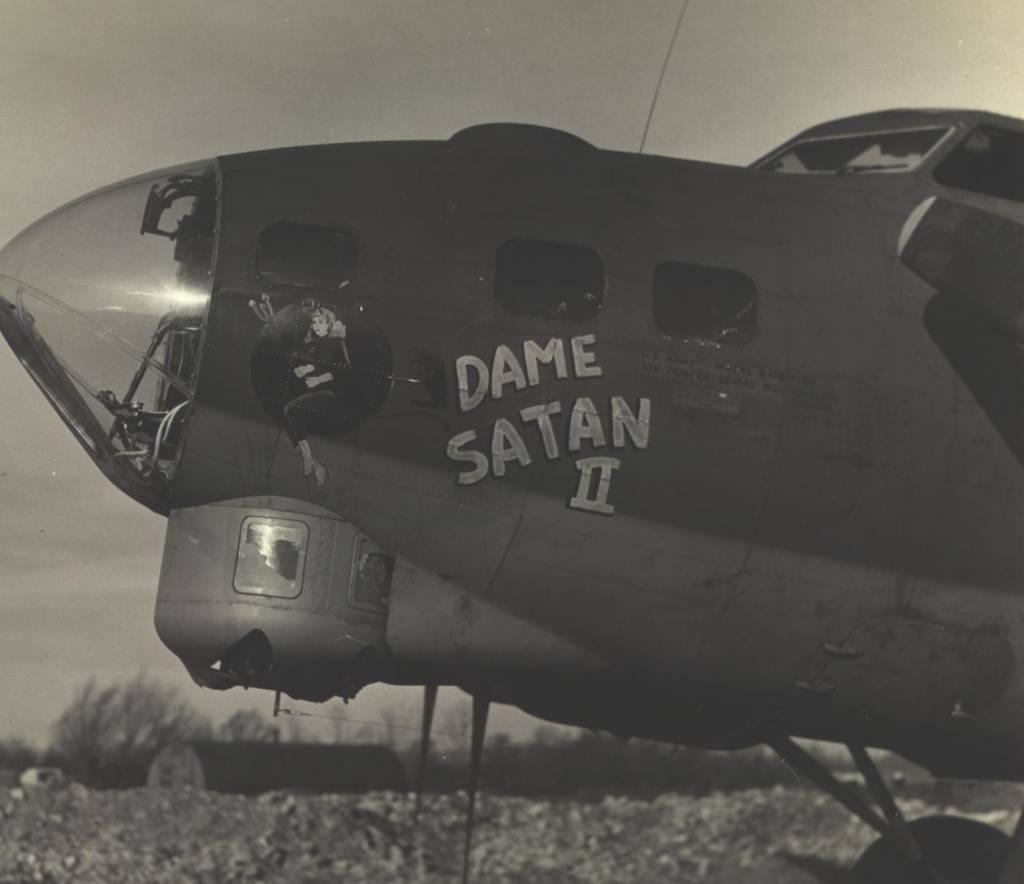 B-17 #42-31070 / Dame Satan II