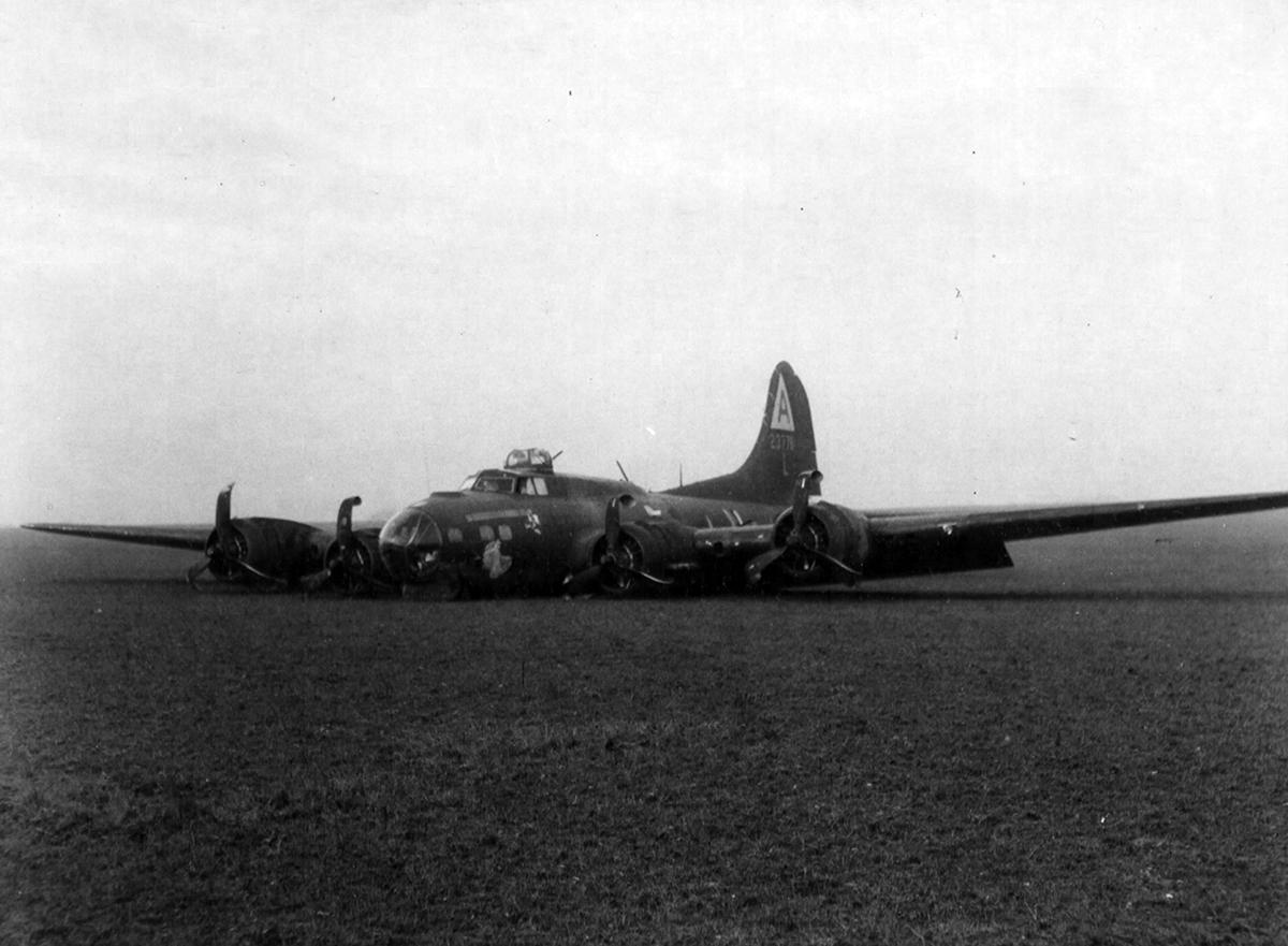 B-17 #42-37761 / Blue Dreams