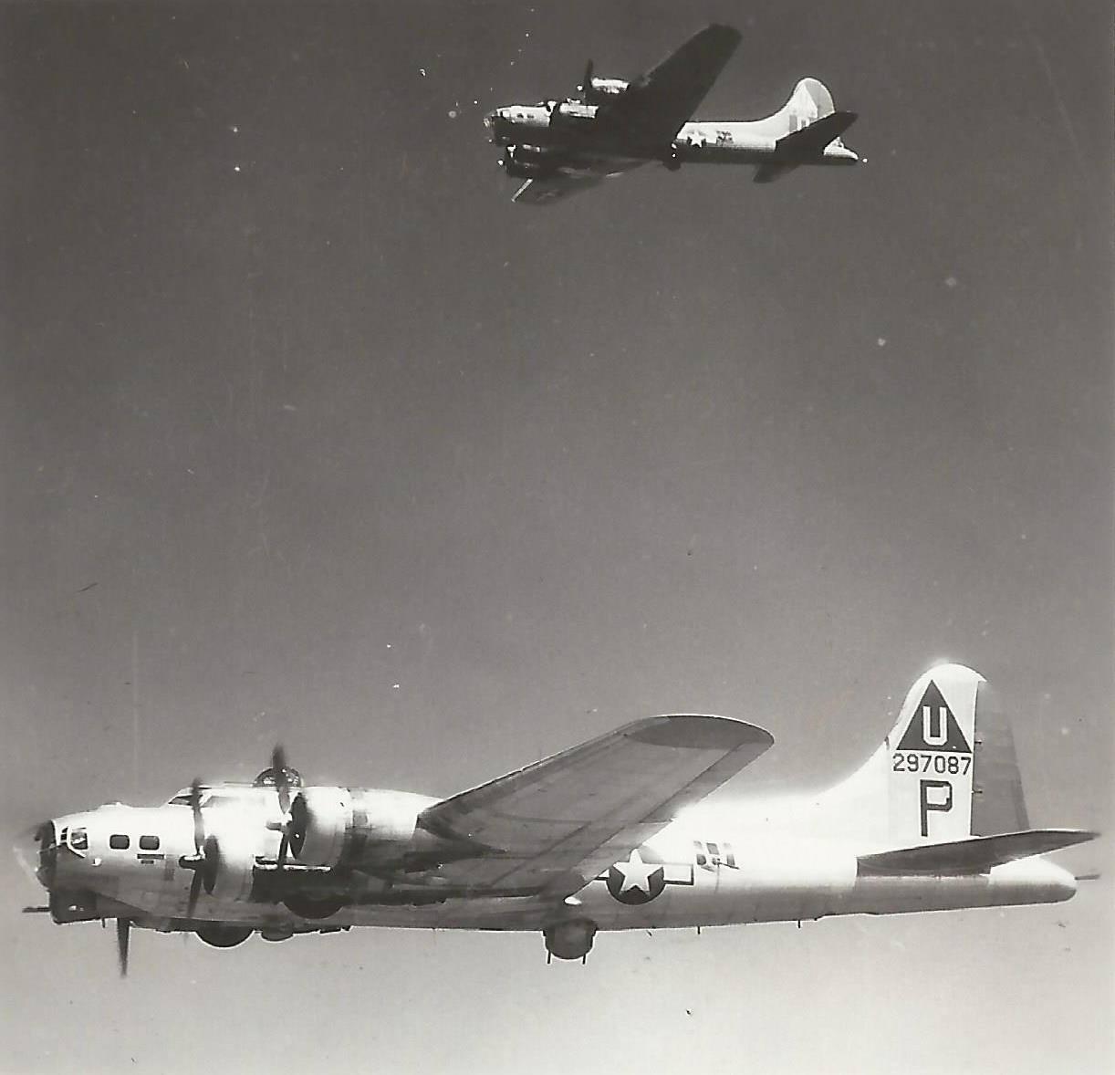 B-17 #42-97087 / Tujunga!