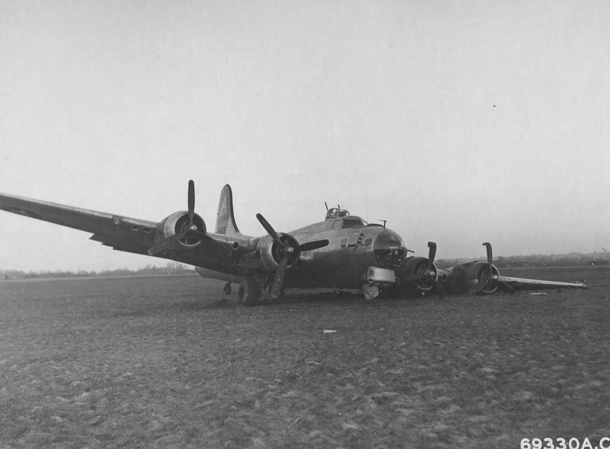 B-17 #44-6618