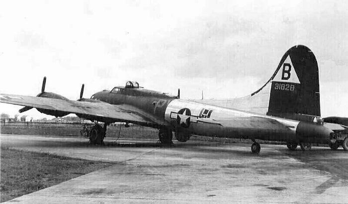 B-17 #42-31828 / Junkers Joy