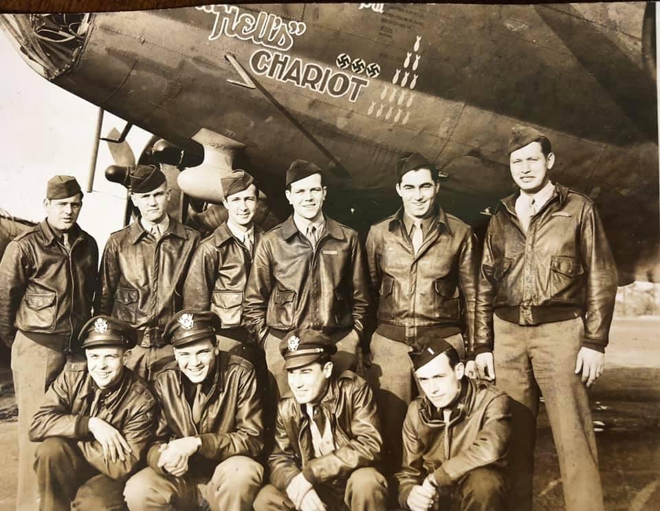 B-17 #42-3442 / Hell's Chariot aka Wacky Woody