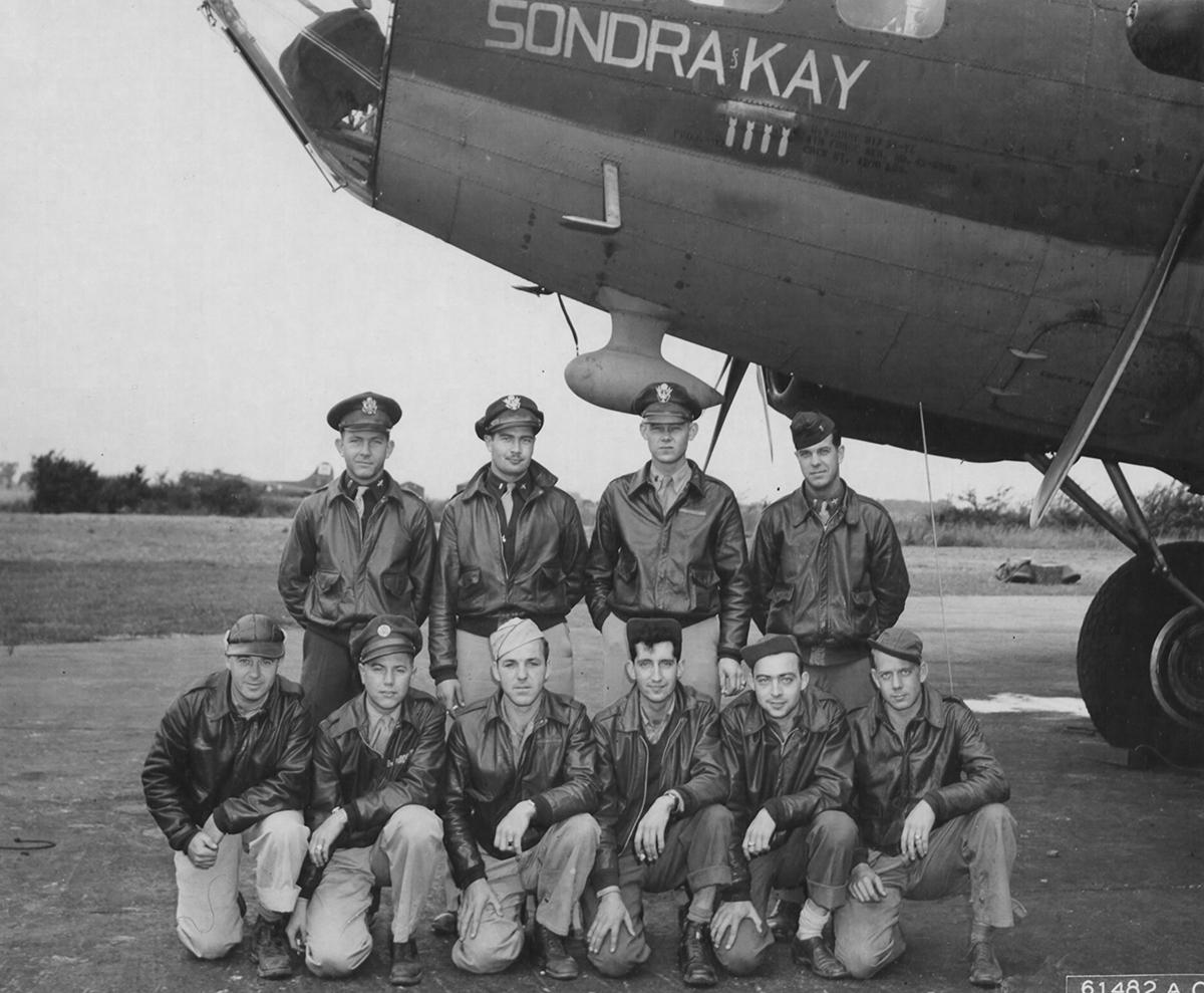 B-17 #42-5906 / Sondra Kay