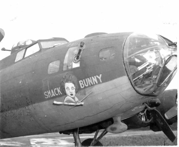 B-17 #42-5913 / Shack Bunny