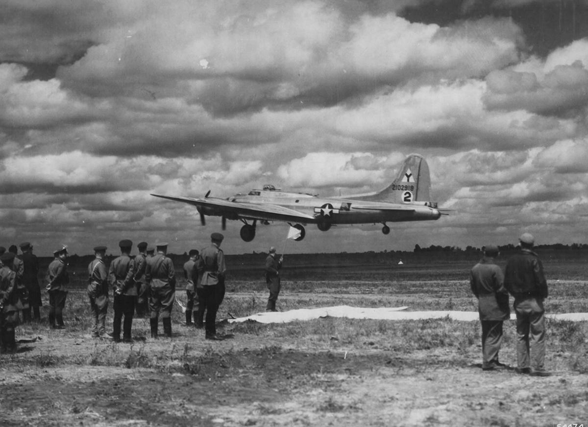 B-17 #42-102918 / Idiot's Delight