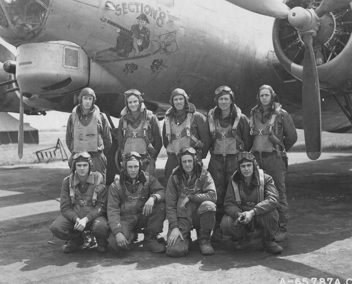 B-17 #42-107113 / Section 8 aka Mrs. Aldaflak