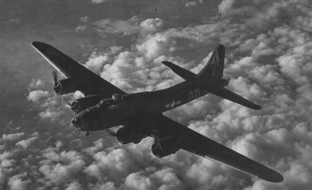 B-17 #42-30834 / Mickey Finn
