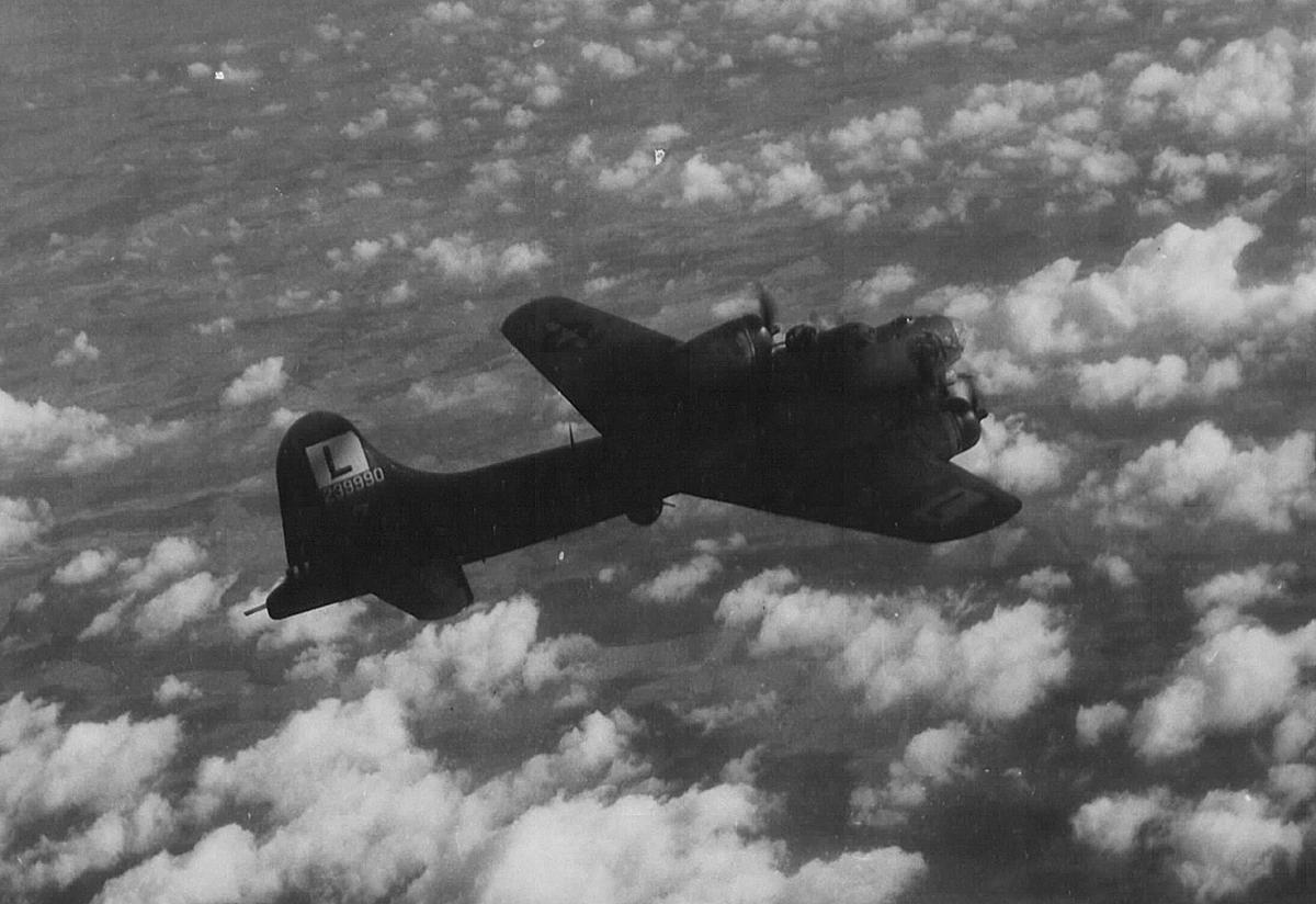 B-17 #42-39990 / Junior