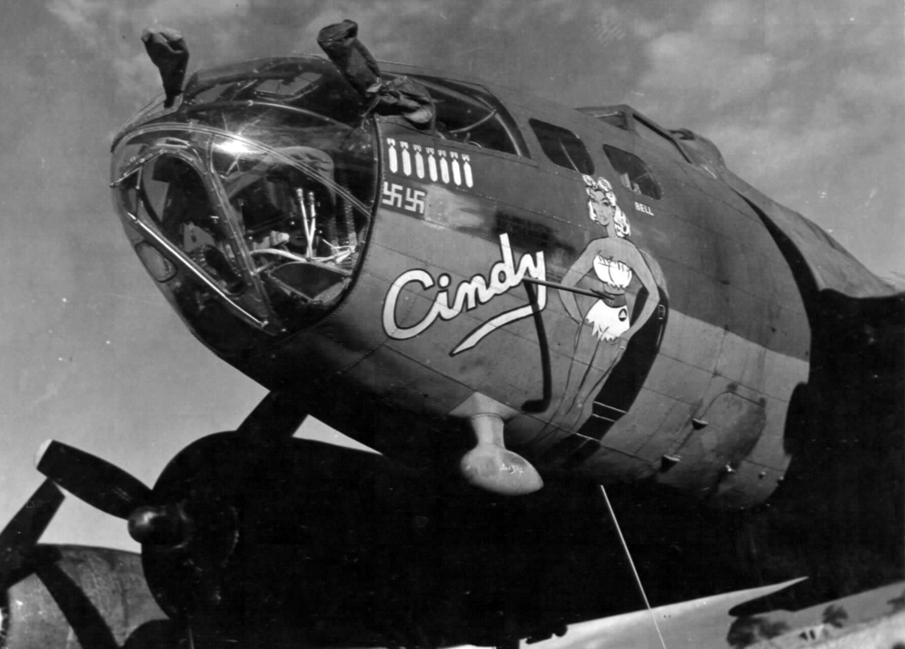 B-17 #42-5821 / Cindy