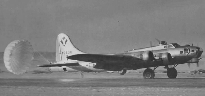 Boeing B-17 #44-6408 / Hammerhead