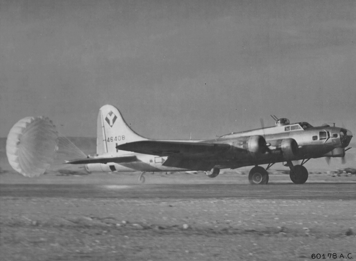 B-17 #44-6408 / Hammerhead