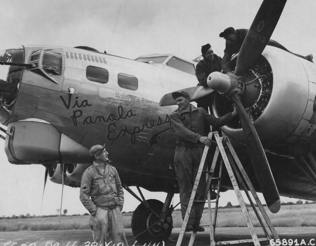 B-17 #42-102968 / Via Panola Express