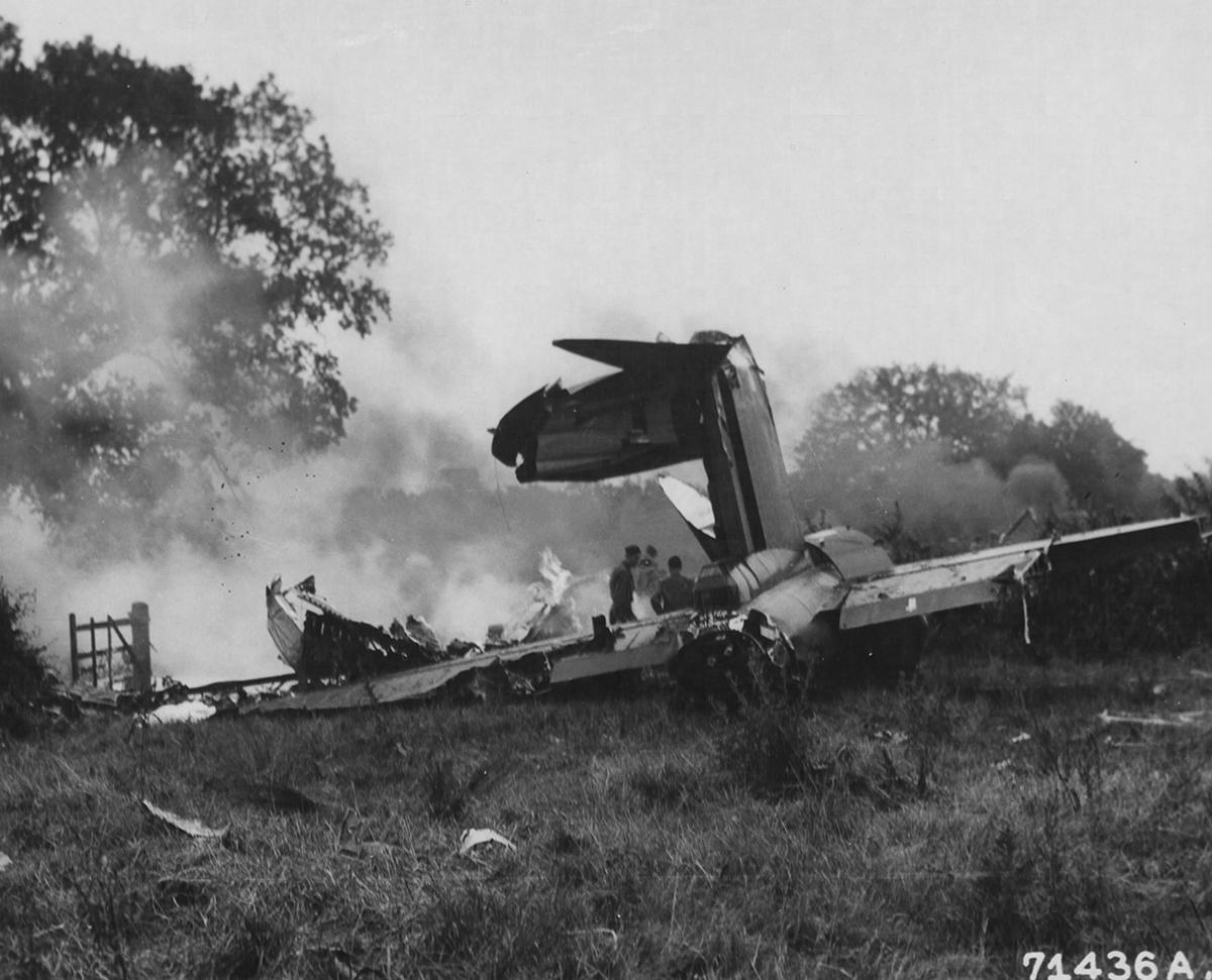 B-17 #42-30266 / Wild Children aka Lucky Strike
