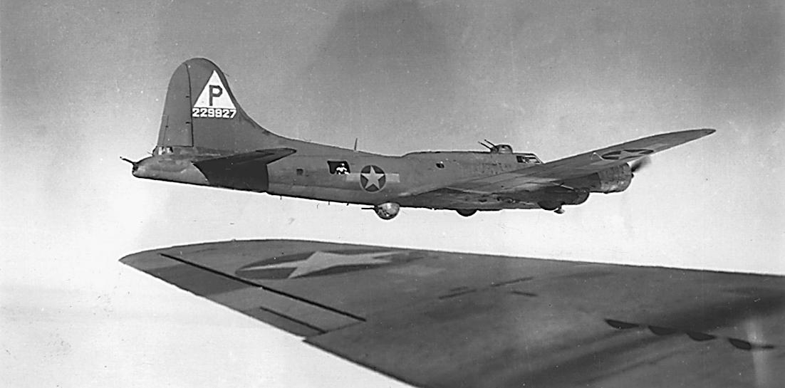 B-17 #42-29927 / Homesick Sal aka Wabbit Twacks