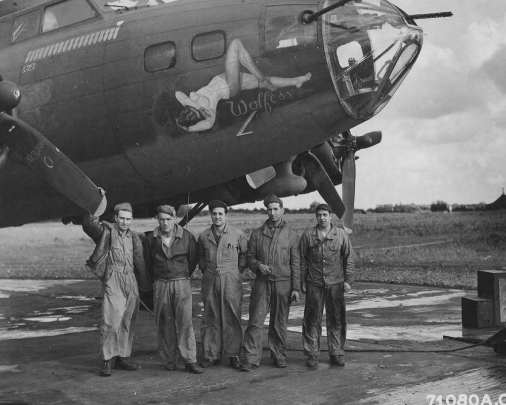 B-17 #42-29953 / Man o' War aka Wolfess