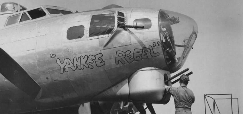 Boeing B-17 #42-32049 / Yankee Rebel