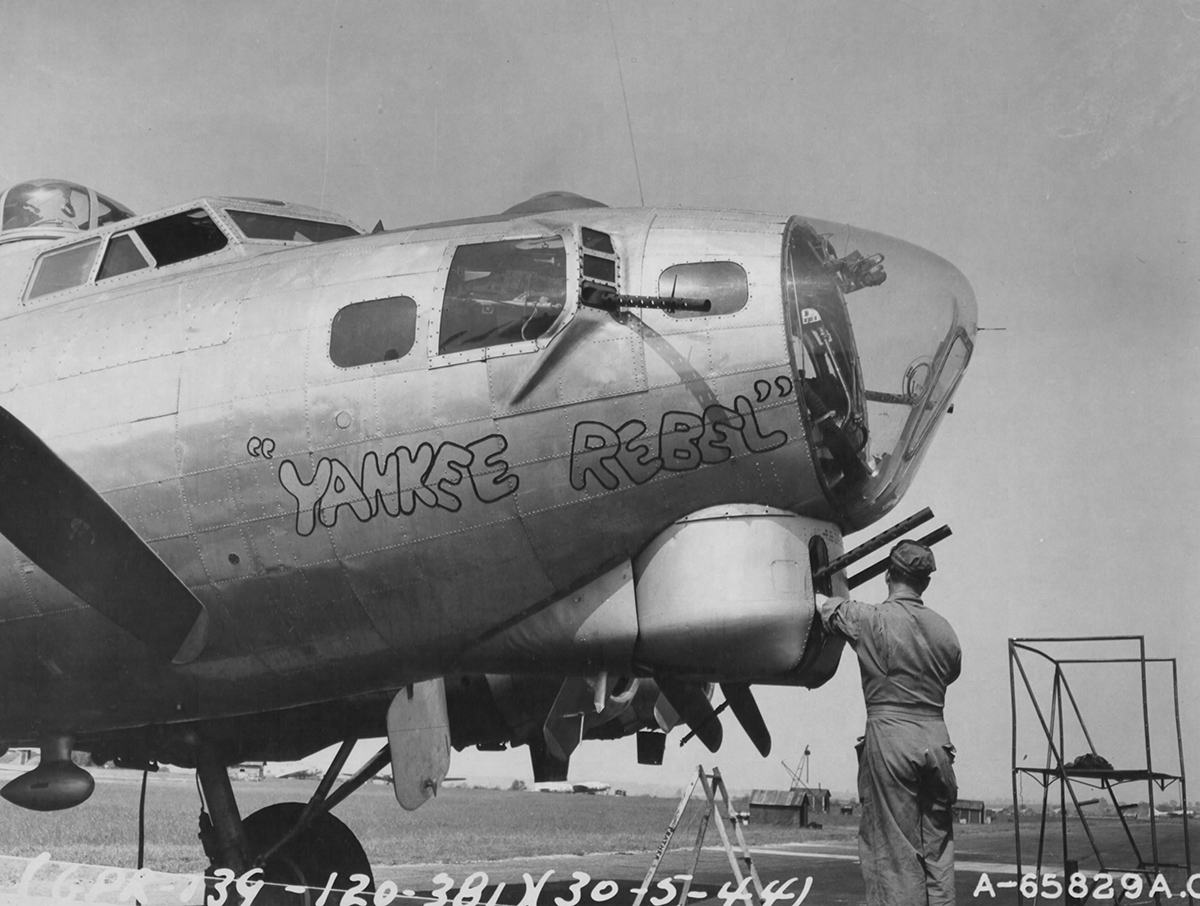 B-17 #42-32049 / Yankee Rebel