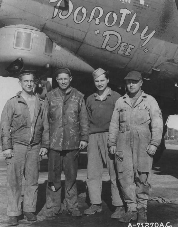 B-17 #42-38048 / Bomb Bay Ann aka Dorothy Dee