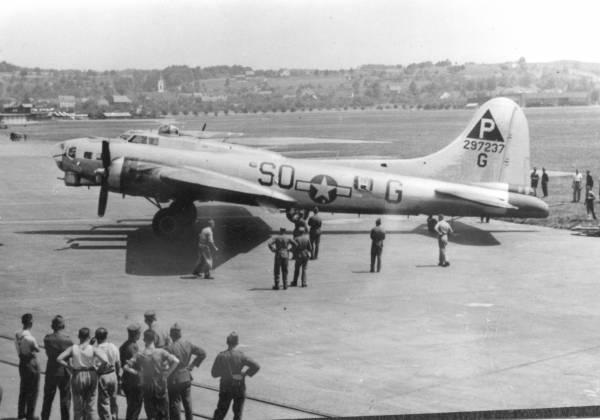 B-17 #42-97237 / Royal Flush II