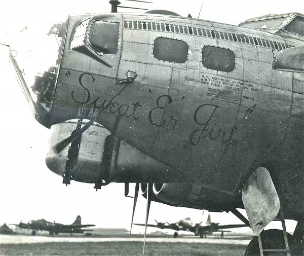 B-17 #43-37549 / Sweat'er Girl