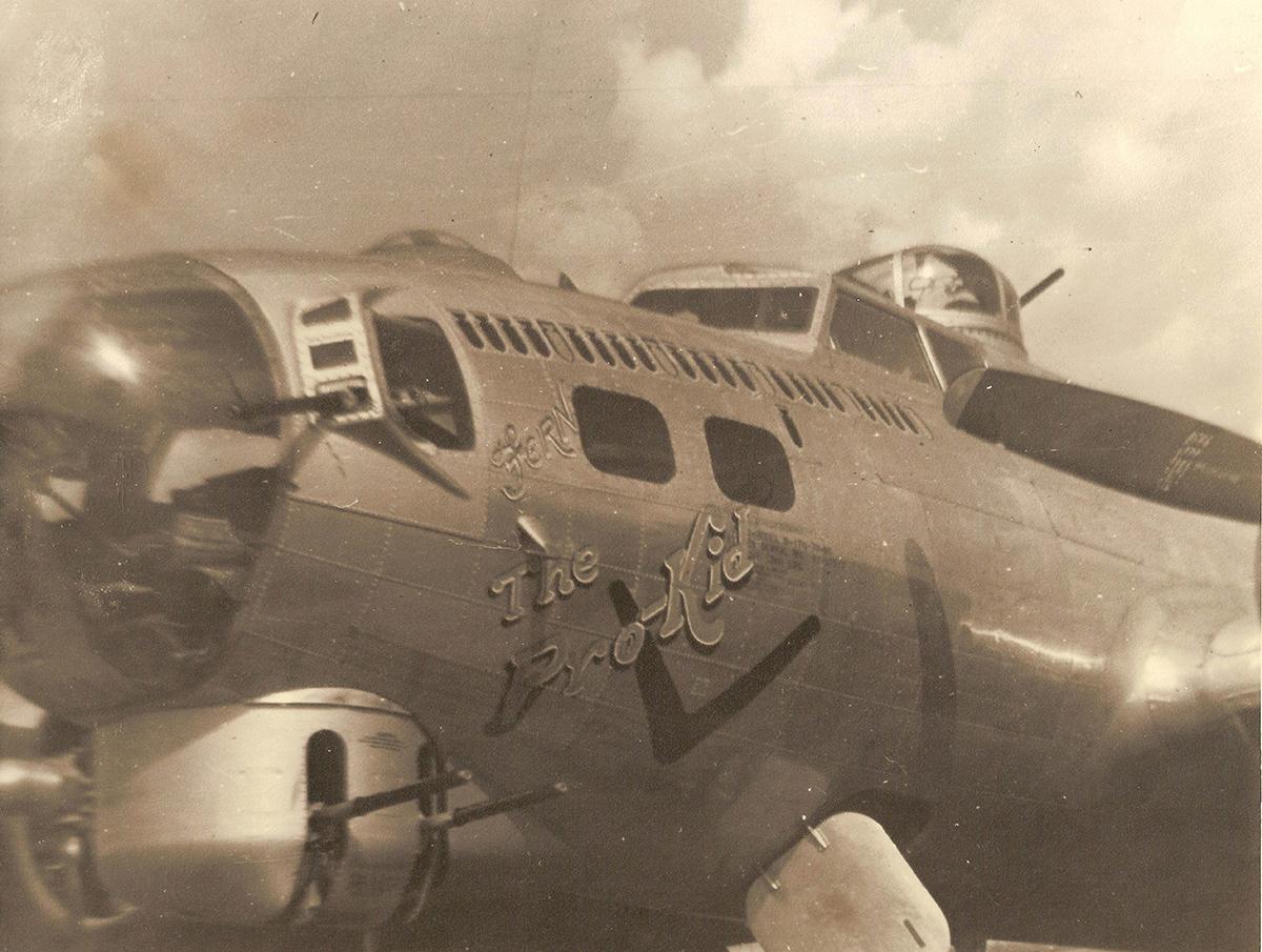 B-17 #43-37717 / The Pro-Kid
