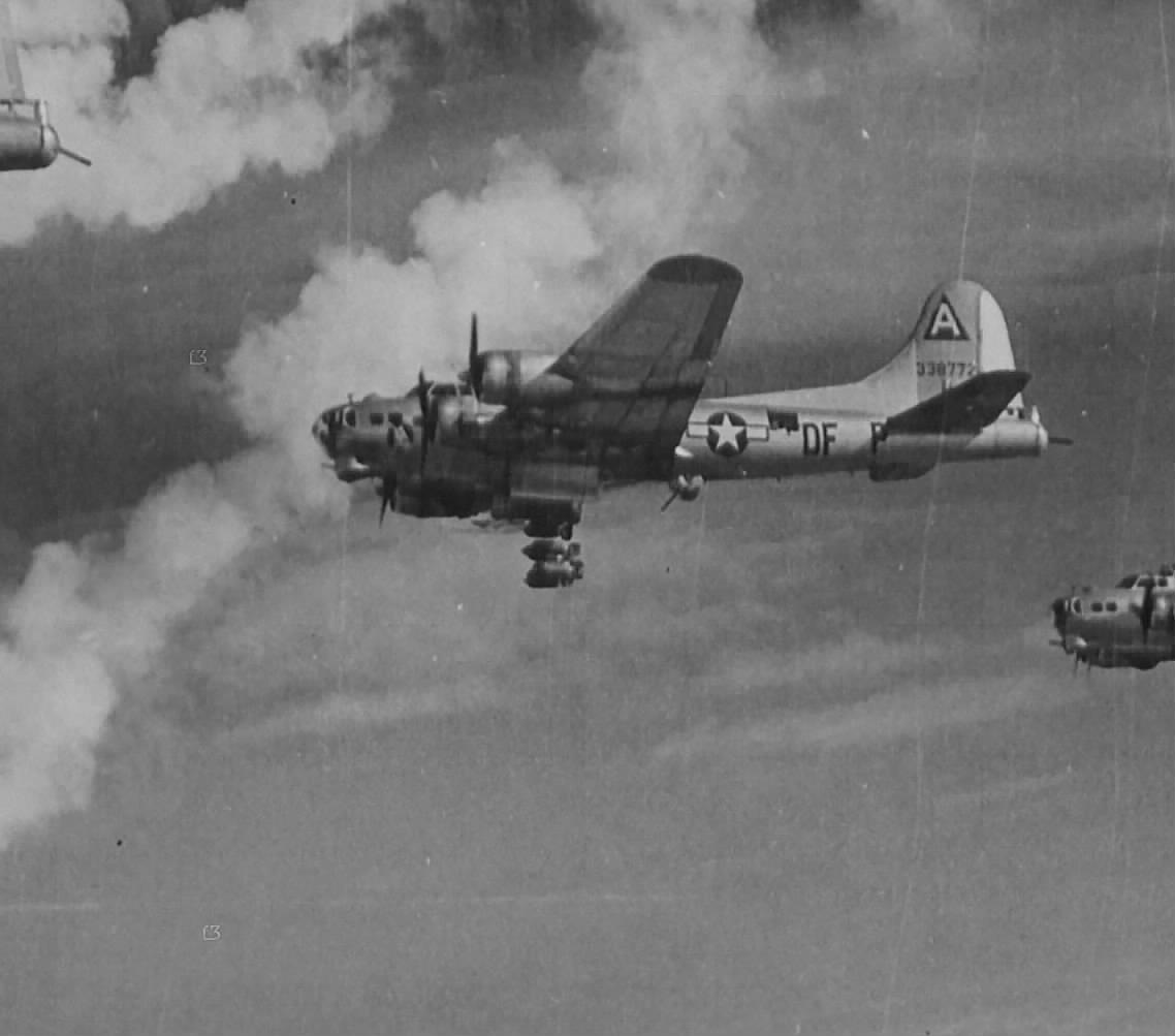 B-17 #43-38772 / Sweet Freda