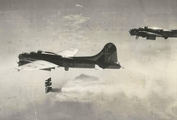B-17 #44-8706