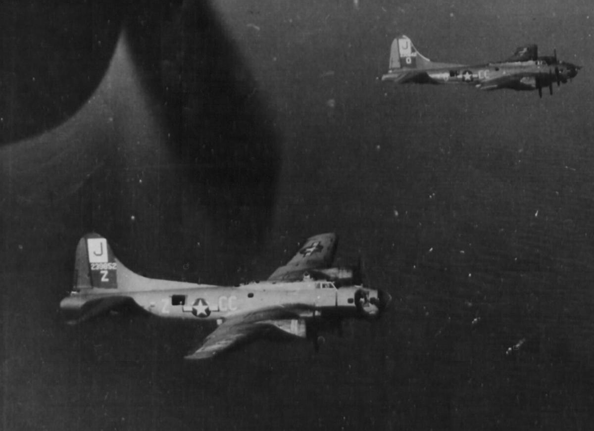 B-17 #42-39852 / Shatzi II – We Aim to Please