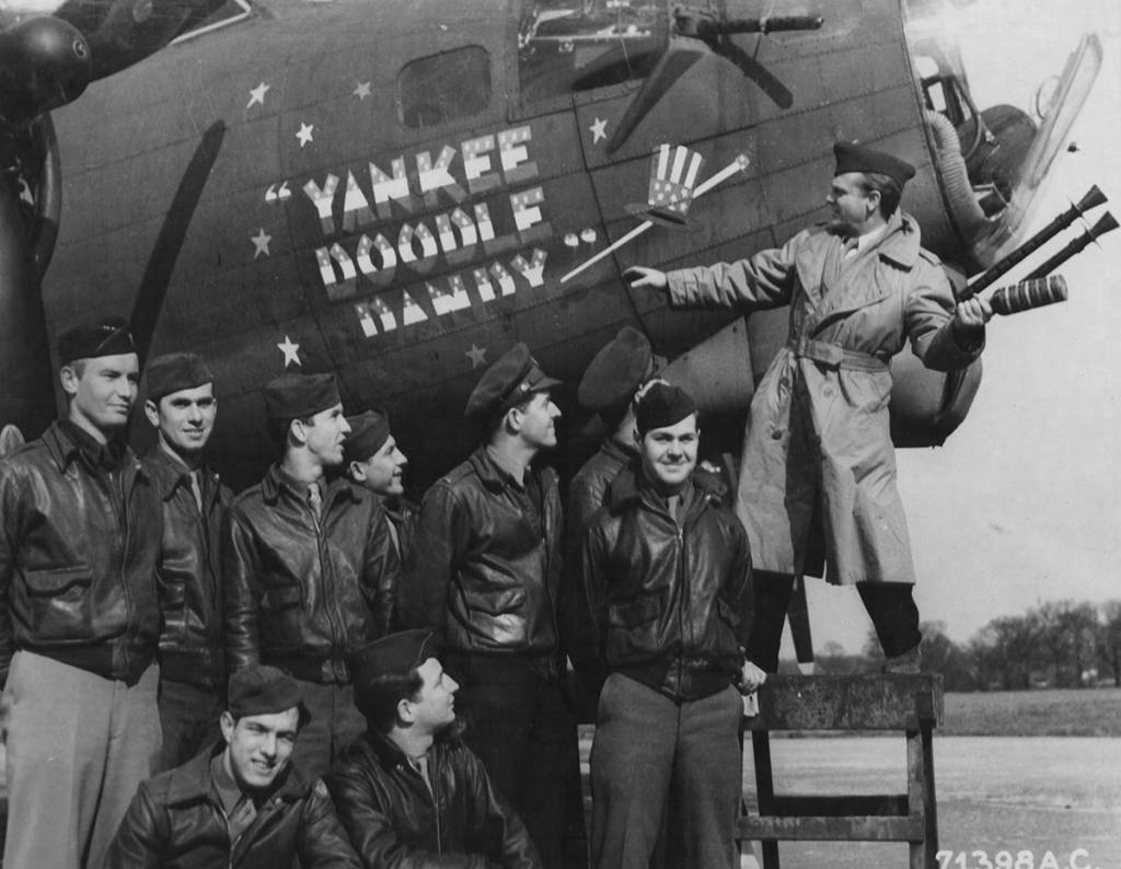 B-17 #42-39926 / Yankee Doodle Dandy aka Holey Joe aka General Sherman aka Queen Ann