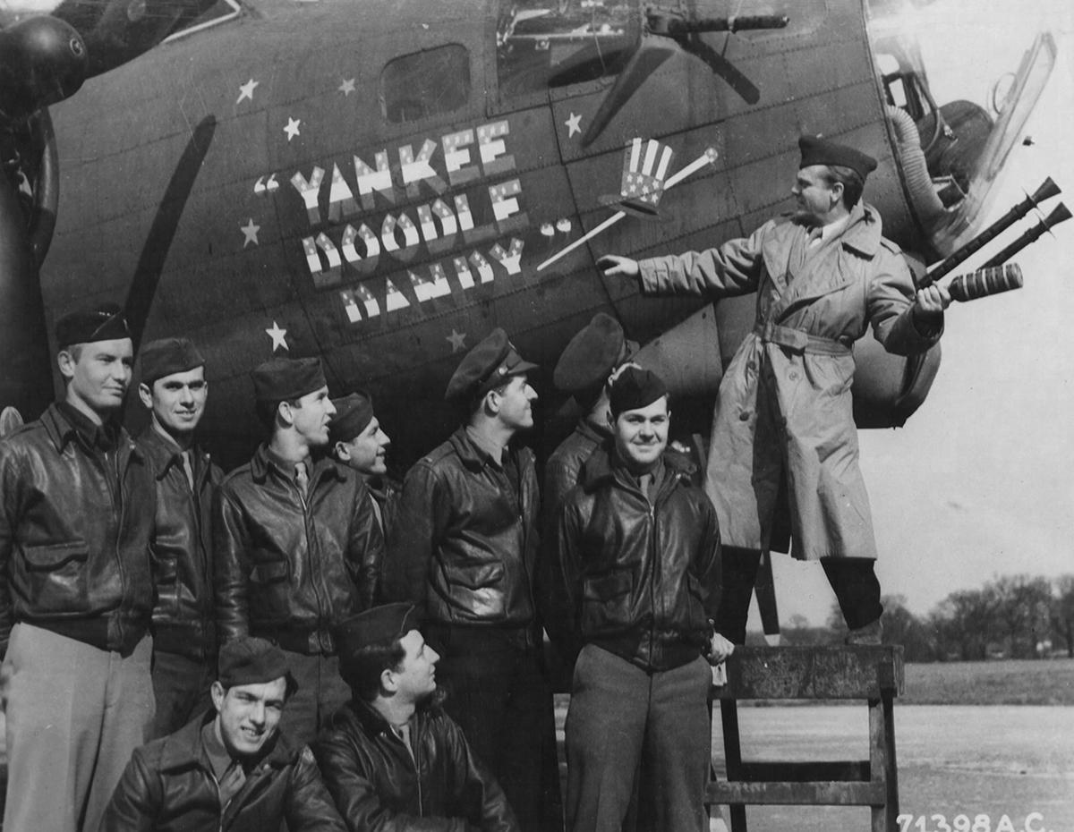 B-17 #42-39926 / Yankee Doodle Dandy aka Holey Joe aka General Sherman aka Queen Ann