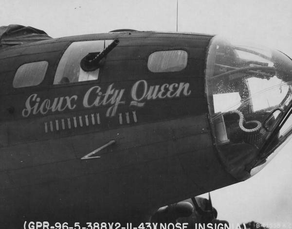 B-17 #42-5899 / Sioux City Queen