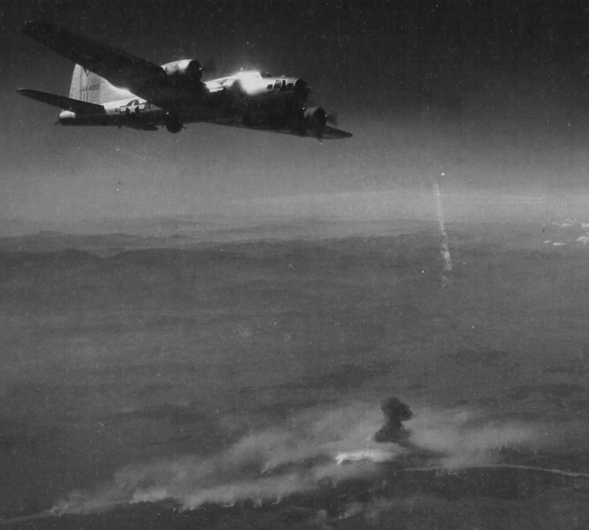 B-17 #44-6400