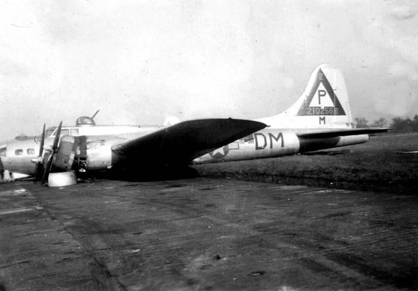 B-17 #42-102566 / Nina