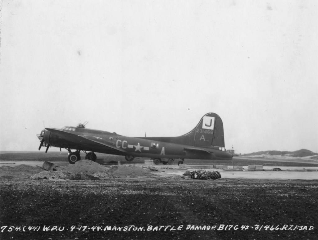 B-17 #42-31466 / Sitting Pretty