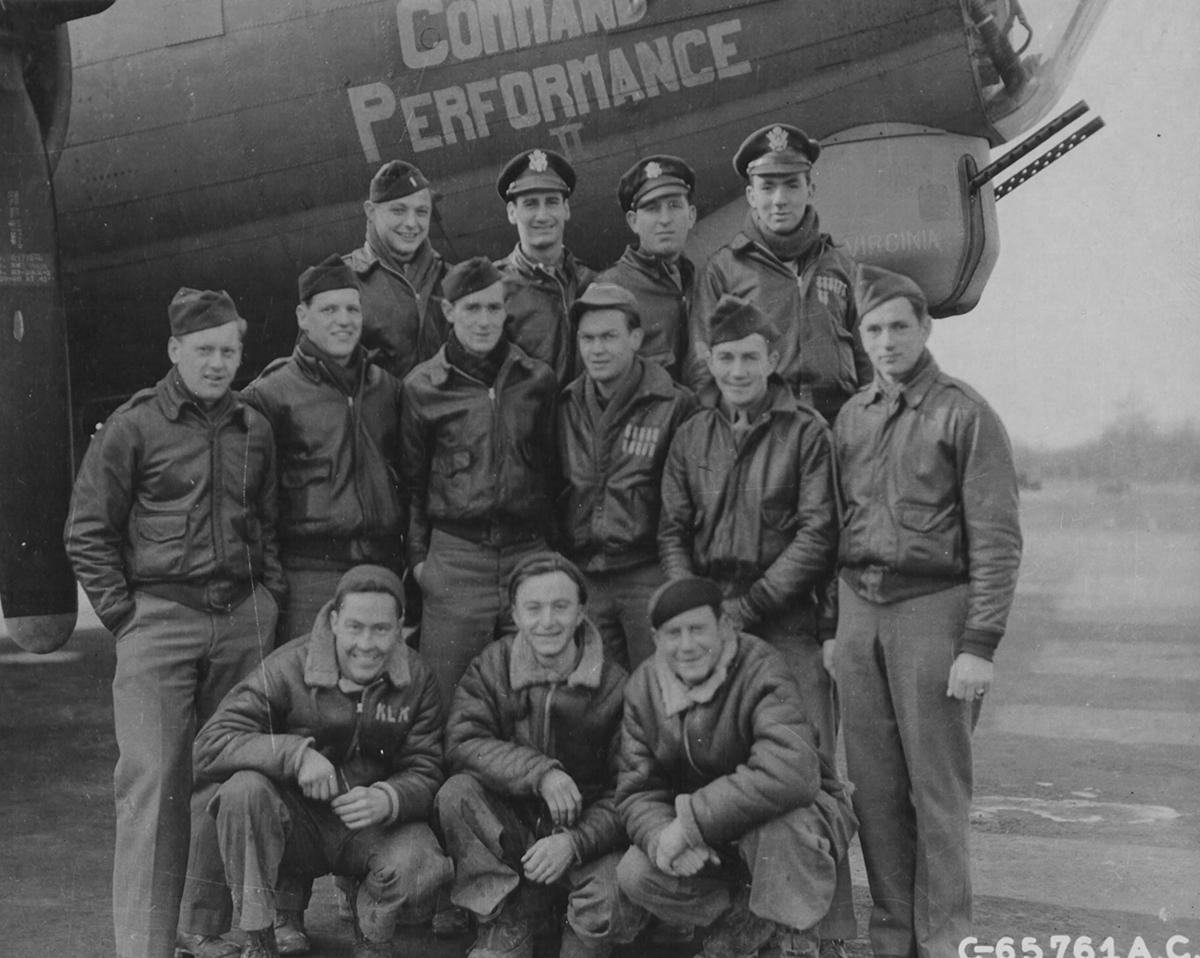 B-17 #42-32005 / Annie aka Command Performance II