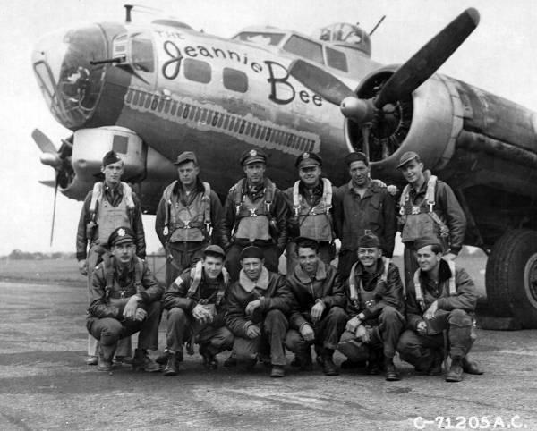 B-17 #43-37555 / The Jeannie Bee