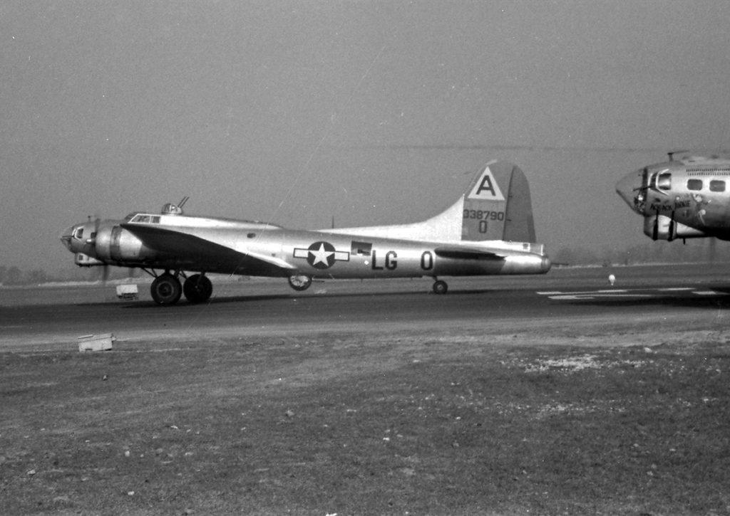 B-17G #43-38790 / Oh Happy Day