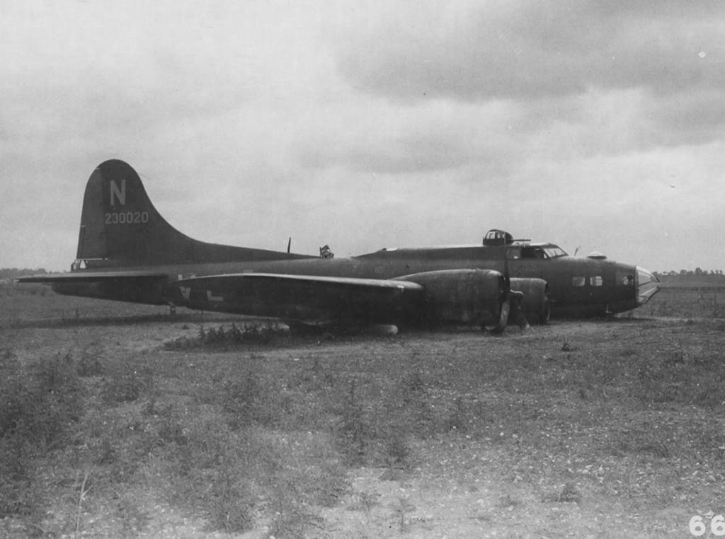 B-17 #42-30020 / Sweet Eloise