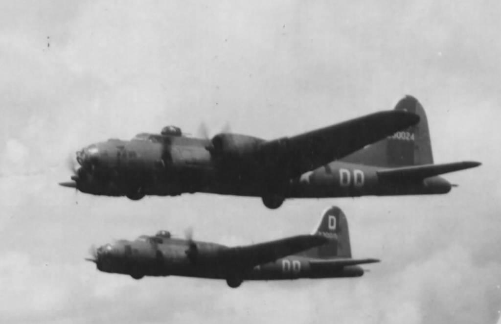 B-17 #42-30024 / Caroline
